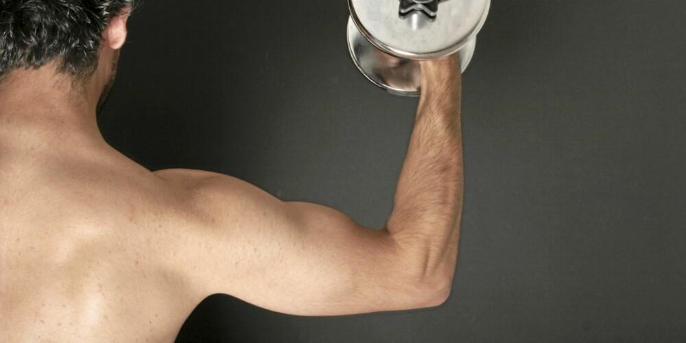 STYRKETRENING: Du skal både trene og spise riktig om du skal få større muskler ved styrketrening.