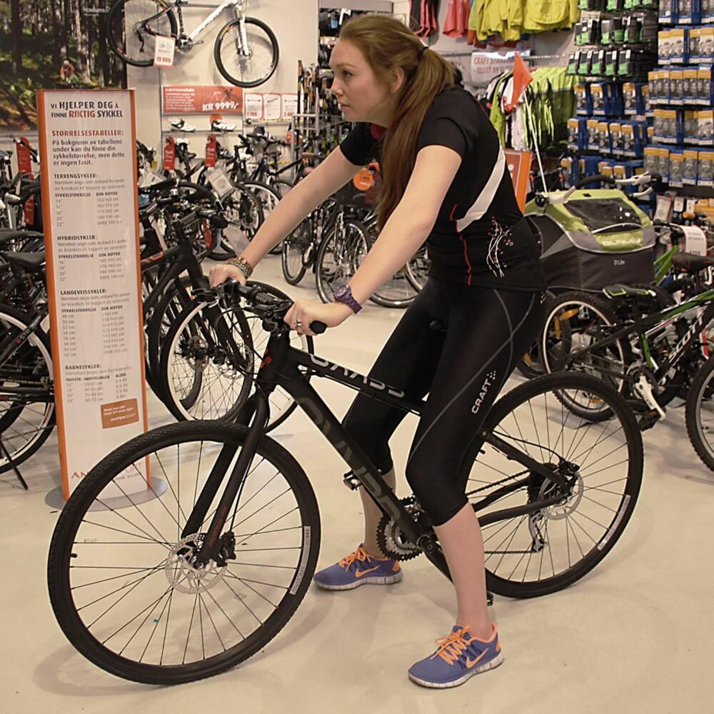 FEIL: Feil størrelse på sykkelen gir også feil sittestilling.