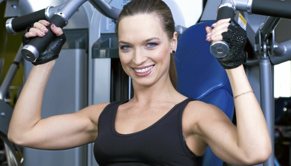 MUSKELFRYKT: - Kvinner har fra naturens side ikke samme potensial for stor muskelmasse som menn, beroliger treningsekspert Erlend Vadam, som anbefaler styrketrening til begge kjønn.