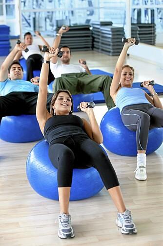 BEGYNN FORSIKTIG: Trening trenger ikke bety blod, svette og tårer. Pilates er en myk treningsform som gjør godt for kropp og sinn.