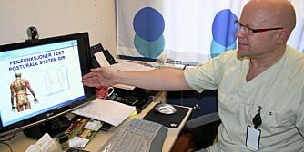 SKJEV RYGG: Daglig leder ved Arenaklinikken, Erland Halden, viser hvordan skjevheter ett sted i kroppen kan forplante seg andre steder.