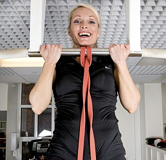 CHINS: Du trener armer, rygg og skuldre.