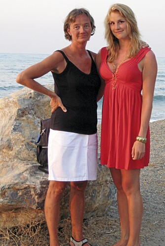 KRETA, SOMMEREN 2008: Mor Sigrun og Birgit på ferie på Kreta. Bare noen måneder etter inntreffer ulykken.