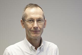 FARLIG MAGEFETT: Professor Jøran Hjelmesæth anbefaler at midjemålet for kvinner bør være under 80 cm.