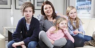 HJERTEBARN: Ingunn Kildahl Johansen har to barn med samme hjertesykdom, Theodor (15) til  venstre og Thomine (7) i midten. Kun Mathea (11), til høyre, er frisk.