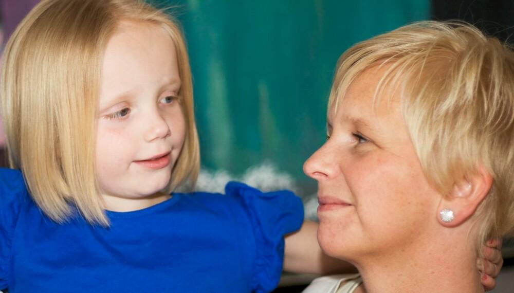 SOLSTRÅLE: Anine er en oppvakt og aktiv femåring, og ingen kan se at hun har hatt to hjerneslag.