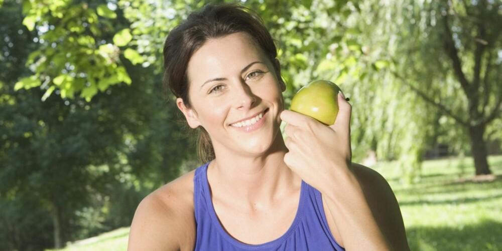 HJERTEVENNLIG: Spis minst fem porsjoner frukt, grønnsaker og bær daglig.