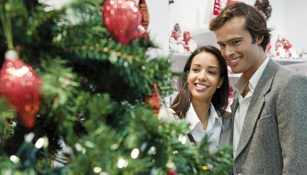 ALLERGI: Dersom du er sensitiv, bør du spyle juletreet før du tar det inn.