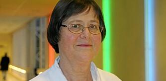 BARNELÆRDOM: Smittevernlege Bjørg Marit Andersen mener det bør være barnelærdom å legge papir på doringen før man setter seg ned.