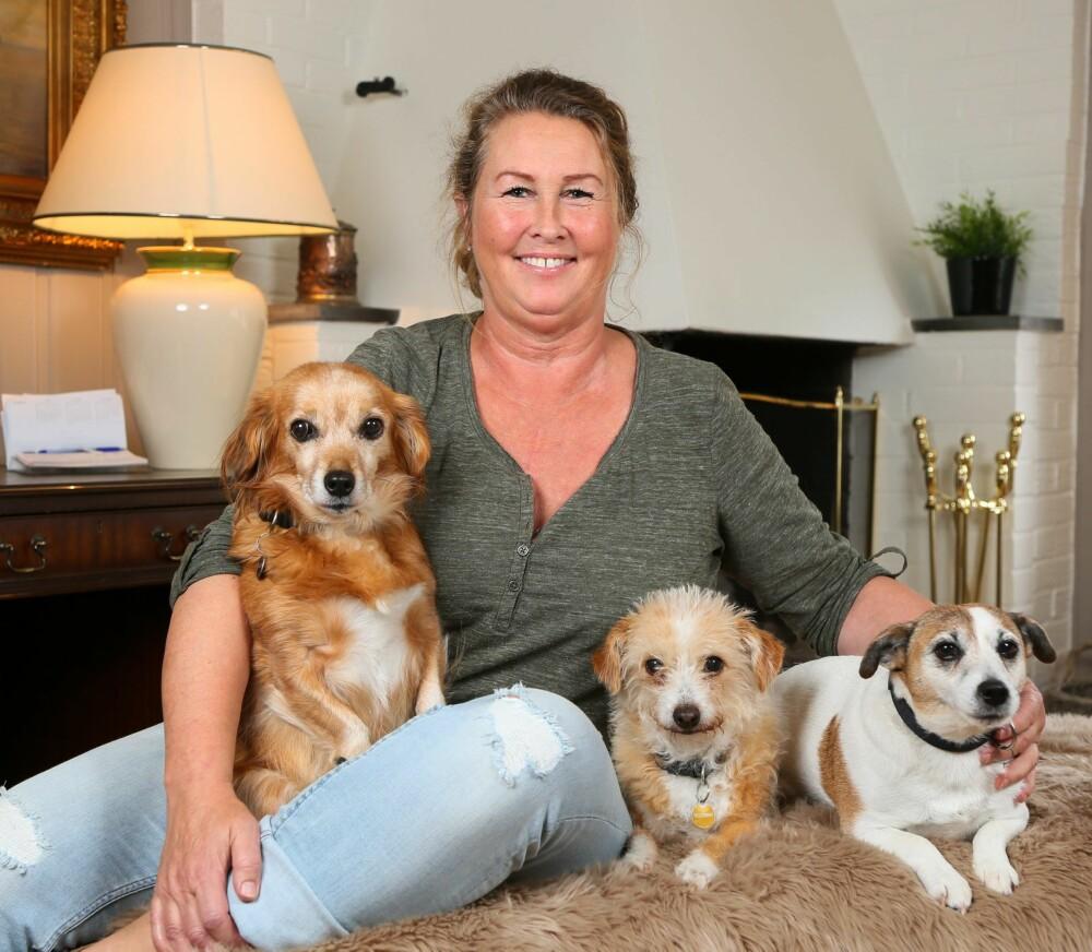 HJERTESVIKT: Kari lever et aktivt liv på mange plan, og ikke minst med de tre hundene Corinne, Bali og Alice som hun tok til seg da ingen andre ville ha dem.