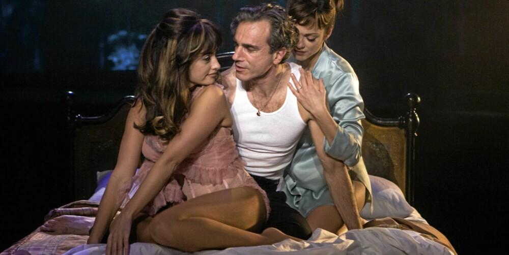 """TREKANT: Dampende scene fra """"Nine"""", med Daniel Day-Lewis, Marion Cotillard og Penélope Cruz"""