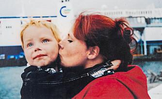 SAVNER ODIN: - Jeg savner ham så fryktelig at det gjør fysisk vondt, men føler samtidig at jeg bærer ham med meg hver dag, sier mamma Katrine.