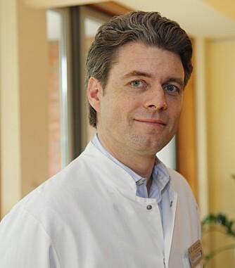KIRURG: Dr. Thorsten Schlumm, spesialist og kirurg.