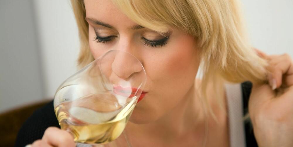 VIN: Det går fint å drikke vin om man har irritabel tarm, ifølge FODMAP-listen.