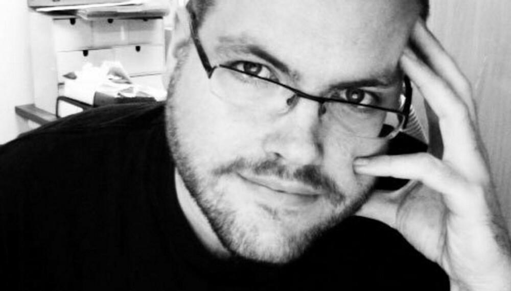 SKEPTIKER: Bloggeren Gunnar R. Tjomlid er blitt kjent for å gå alternative behandlingsformer grundig etter i sømmene.