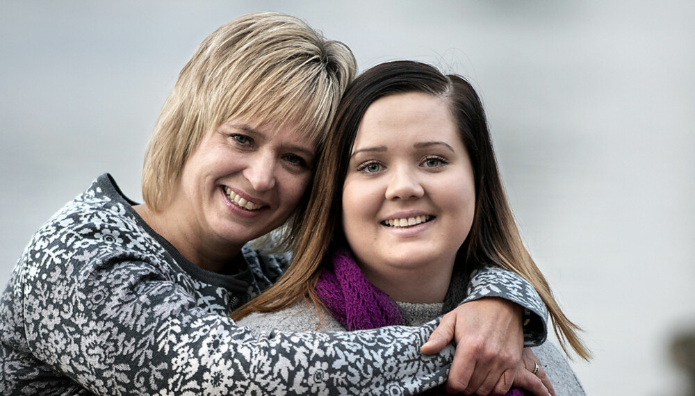 SØTTE: Inger-Lise og moren Hilde har stått sammen om problemene hele veien. I dag er hun helt frisk og hjelper andre via foreningen Ananke. FOTO: Odd Mehus