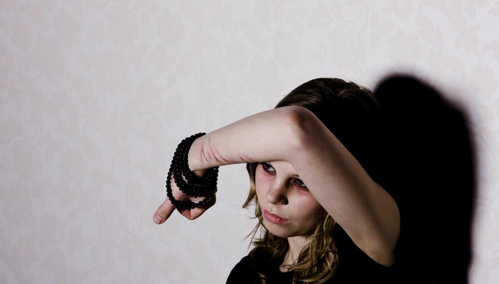 VONDE FØLELSER: En person med unnvikende personlighetsforstyrrelse unngår sosiale aktiviteter av redsel for å bli avvist.