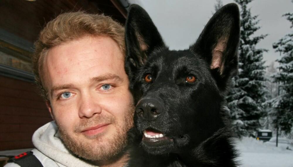 EKTE KJÆRLIGHET: Øynene lyver ikke,verken hos mann eller hund.