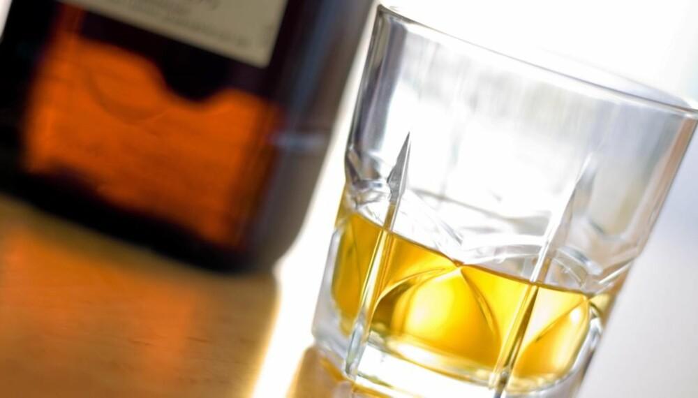 KRENKENDE: Psykiateren tilbød whisky og ville gjerne se pornofilmer under konsultasjoner.