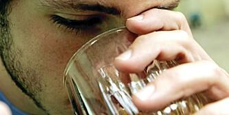 DYPT I GLASSET: Jo mer alkohol, jo verre kan bakrusen bli.