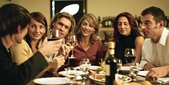 MYE KRAFTIG MAT: Flere selskap og mer mat og drikke gir flere fordøyelsesplager hos befolkningen.