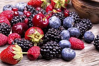 BÆR MOT SMERTE: - Spis bær, gjerne til alle måltider, hver dag. Jo mer variasjon, jo bedre er det.