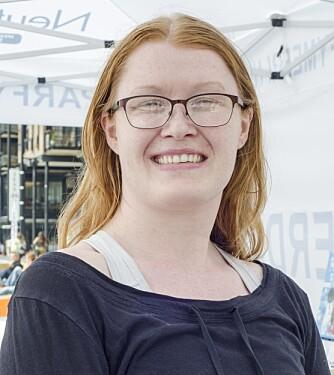 PLAGET: Camilla Holm Velle (30), har begge formene for parfymeallergi; både kontaktallergi og duftoverfølsomhet.