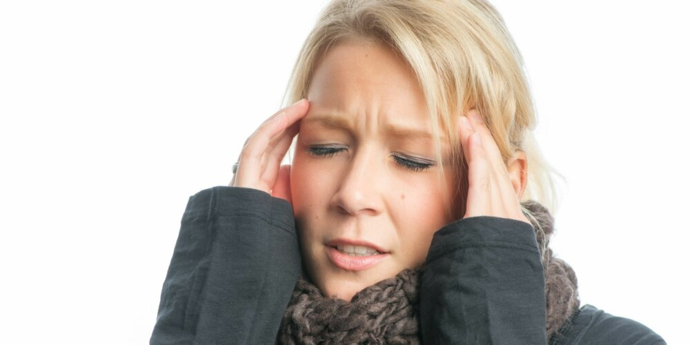 DUFTOVERFØLSOM: Hodepine, kvalme og unormal tretthet kan være symptomer på parfymeallergi.