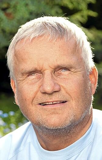 BLIND: Tore Henriksen (52) ble blind som 32-åring.