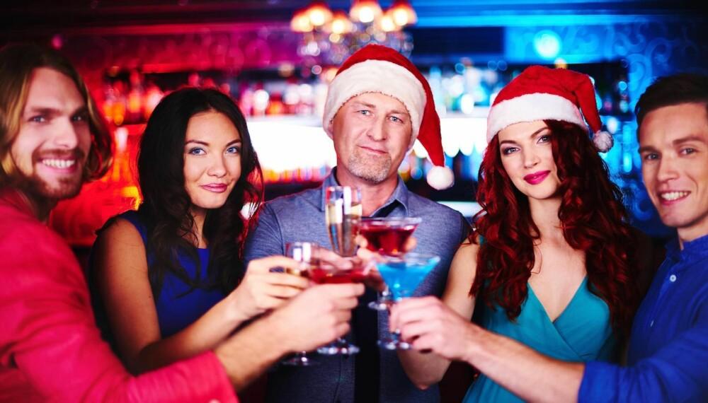 TA KONTROLL: Ved å følge noen enkle råd, unngår du at julebordet sklir helt ut.