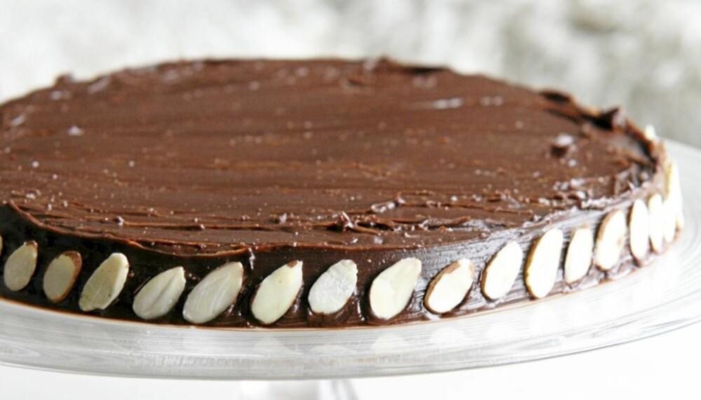 VERDENS BESTE: Dette er så god en sjokoladekake kan bli.