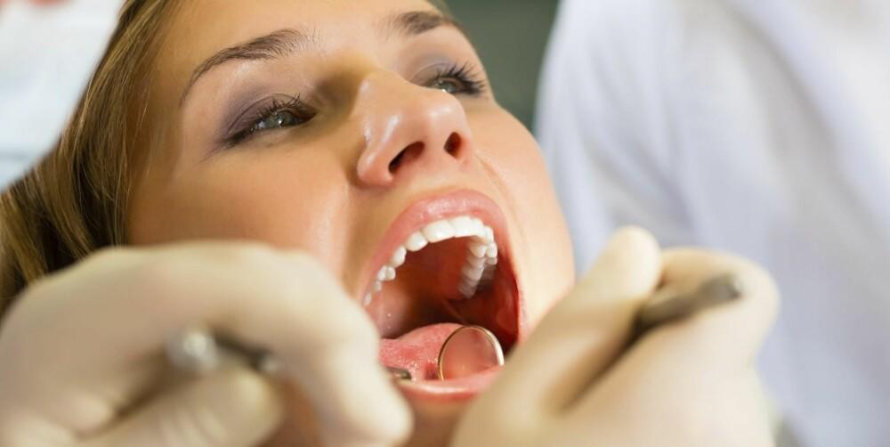 TENNER: Tannlegen er gjerne den første til å oppdage tegn på at noe er galt i kroppen.