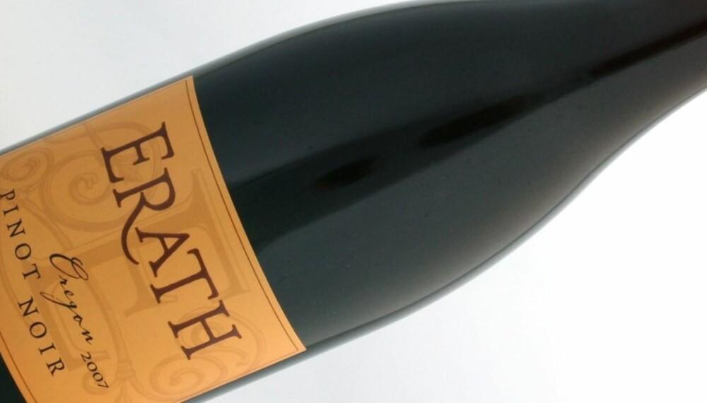BLEK MEN FATTET: Erath Pinot Noir er blek på farve, men likevel smaksrik.