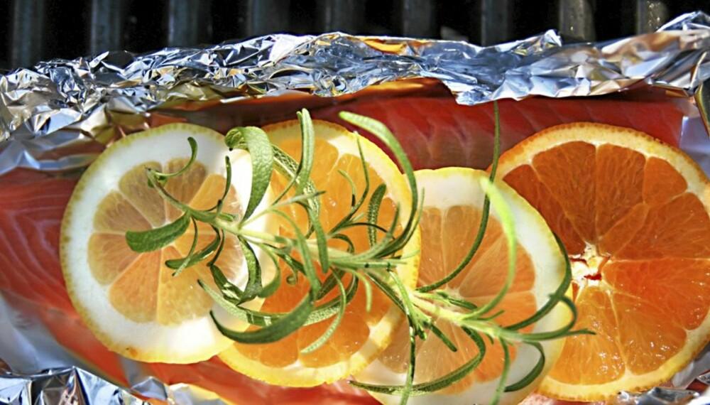 FISK I OVNEN: Å bake fisk i ovnen gir lite oppvask og er supergodt! Men husk på tempen.