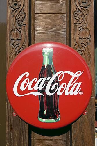 KJENT VAREMERKE: Coca-Cola er verdens mest solgte brus. I tillegg er leskedrikken et av verdens mest kjente varemerker.