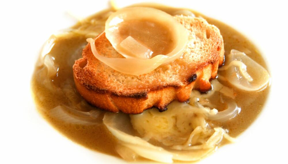 LØKSUPPE: Denne suppen koster under en tier pr. pers når du dropper Madeiraen.