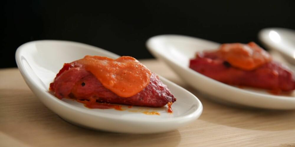 TAPAS: Fylte paprika med paprikasaus.