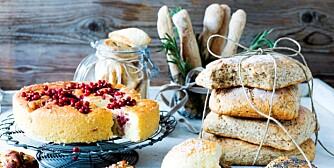 Får vi by på oppskrifter til eplekake med tyttebær, tomatfocaccia og deilig brød?