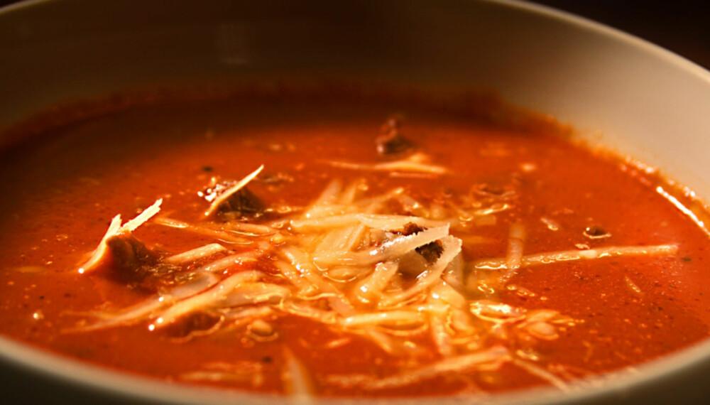 OPPSKRIFT PÅ TOMATSUPPE: Er dette verdens raskeste tomatsuppe?