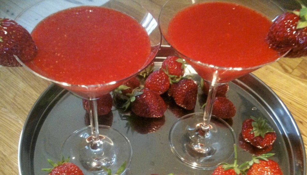 SUNN COCKTAIL? Det hevdes at jordbærene blir enda sunnere balndet med alkohol, som i drinken strawberry daiquiri.