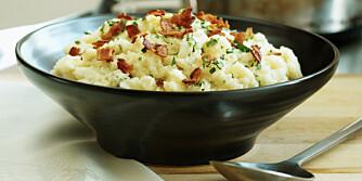 HJEMMELAGET POTETMOS: Et dryss av sprøstekt baconbiter og finhakket persille topper smaksopplevelsen.