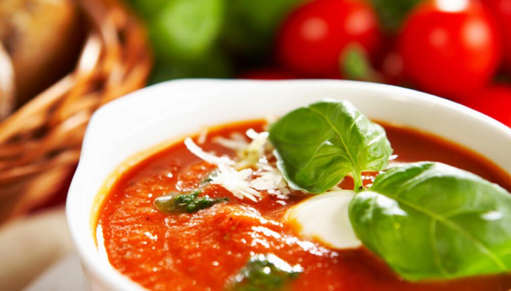 TOMATSUPPE: Prøv Trond Mois oppskrift på tomatsuppe, laget fra grunnen.