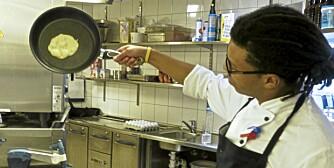 Belegg: De beste pannene slapp maten bare ved å holde pannen på høykant