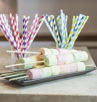 GODIS: Marshmallows på grillspyd.