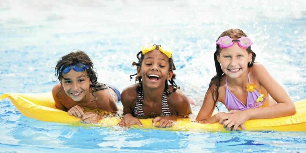 HVOR FEIRE BARNEBURSDAG: De aller fleste svømmehaller kan tilby egen bursdagsfeiringer. Moro for både store og små. Foto: Foto: Istockphoto Foto: Foto: Istockphoto