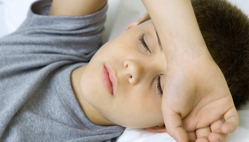 BARN MED HJERNERYSTELSE: Hvis barnet får hjernerystelse, er det viktig å følge godt med på barnet etterpå. Ved hjernerystelse mister barnet umiddelbart bevisstheten for en kort stund.