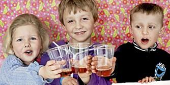 NAM! Elise, Benjamin og Henrik syntes alle drikkene smakte søtt og godt, uavhengig av sukkerinnholdet.