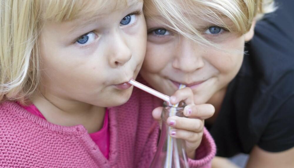 LETTBRUS: Helsemyndighetenes generelle råd er at barn under 3 år ikke bør få i seg  kunstige søtningsstoffer som i lettbrus.