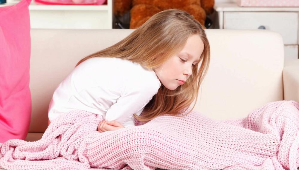 MAGEKNIP: Som regel er det helt ufarlig. Her er rådene når barn har uforklarlige magesmerter. FOTO: Getty Images.