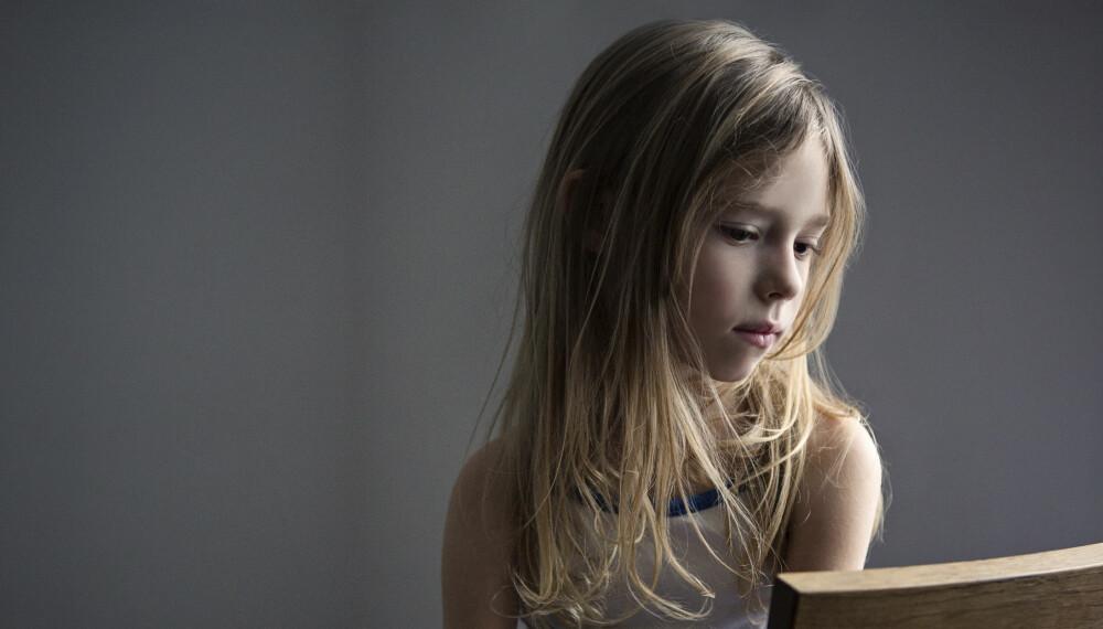 TEGN PÅ DEPRESJON HOS BARN: Depresjon hos små barn kan være vanskelig å oppdage for foreldrene. Disse tegnene skal du se etter, og dette kan du gjøre.